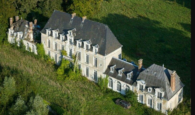 Forgotten château. France