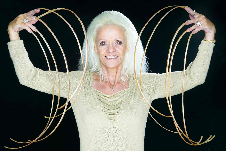 Longest Fingernails On A Pair Of Hands Female Ever Long Fingernails World Records Guinness World Records