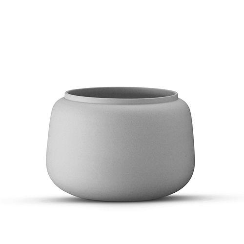 Køb designs fra Ditte Fischer online her. Vi har både kopper, vaser, kander, skåle, fade, tallerkner, smykker; armbånd, halskæder, ørestikker, øreringe mm.. På lager, hurtig levering. Sikker e-handel og fuld returret.