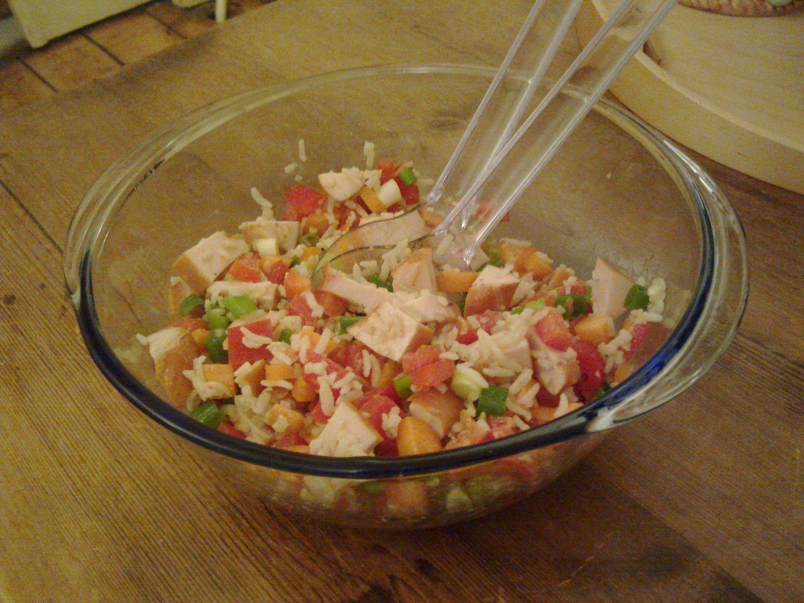De koopavondsalade van afgelopen week was een beetje een fantasie-rommeltje. Het was bedoeld om snel klaar te zijn, de restjes uit de koelka...