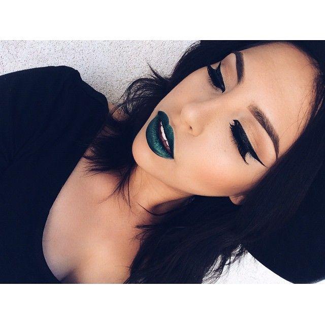 that lipstick!!!!!