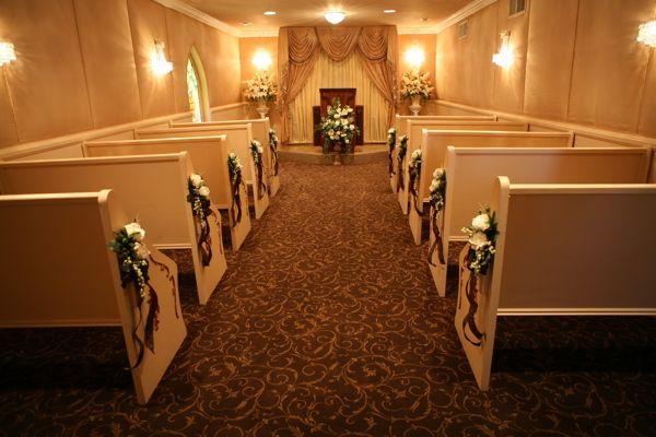 Graceland Wedding Chapel Interior Chapel Wedding Little White Chapel Las Vegas Wedding Packages