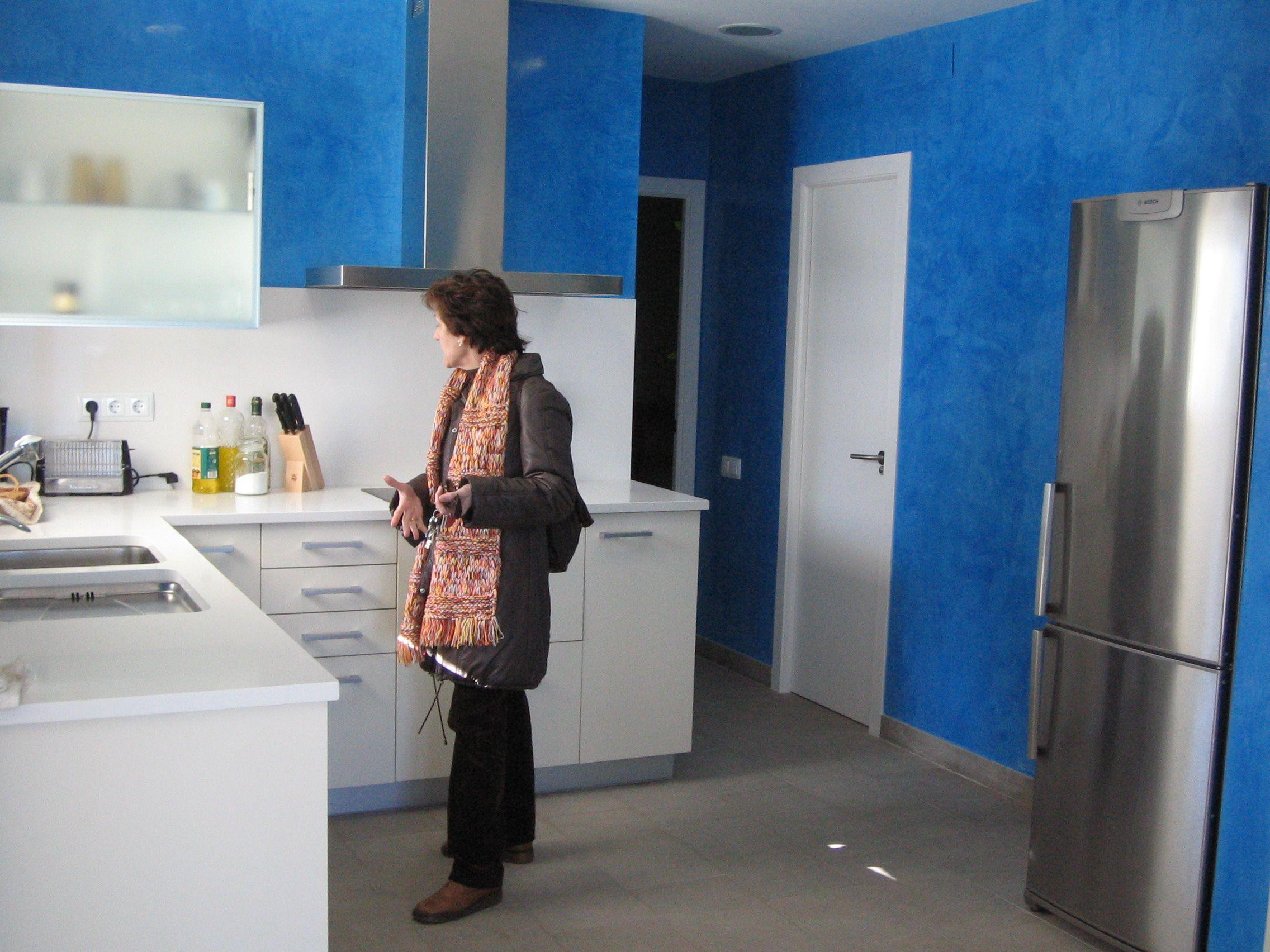 Ideas de #Cocina, estilo #Contemporaneo color  #Azul,  #Blanco,  #Gris, diseñado por Carlos Torralva-ARQUITECTURA DE INTERIORES  #CajonDeIdeas
