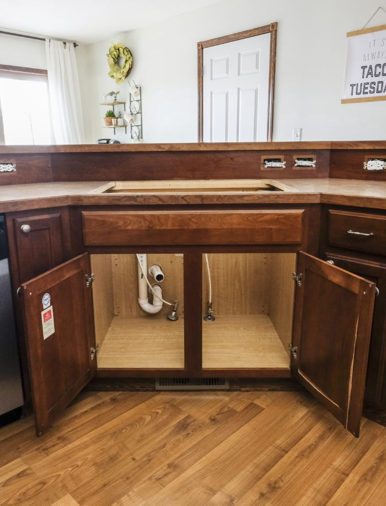 DIY Farmhouse Sink Installation - Farmhouse sink installation, Farmhouse sink, Farmhouse diy, Sink, Best kitchen sinks, Budget kitchen makeover - How To Install A Farmhouse Apron Front Sink Adding an apron front farmhouse sink to your kitchen will not only elevate the…