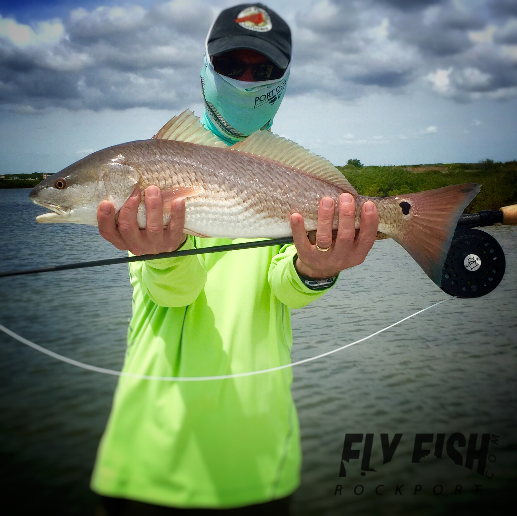 Redfish Bay In Rockport Tx Nice Redfish On The Fly Fly Fishing Saltwater Fishing Fishing Guide