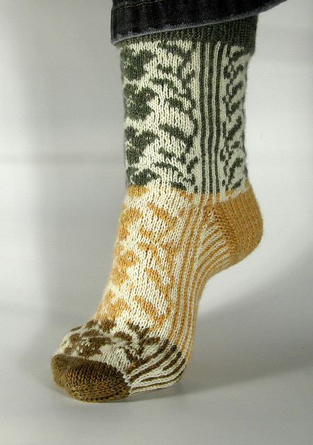 Fair Isle Flower Socks by Ellen Straubinger | Knitting & Crochet ...