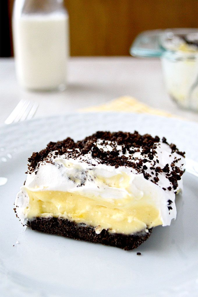 Oreo Cake layers of pudding cream cheese and whipped cream