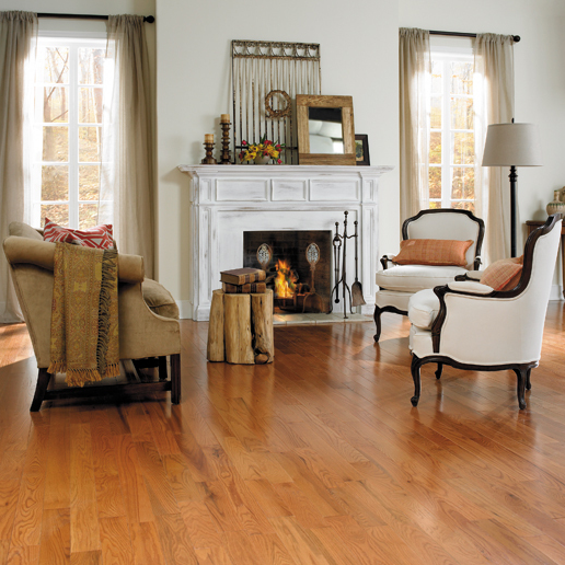 Rich toffee oak hardwood floors for living room - Living room ideas with oak flooring ...