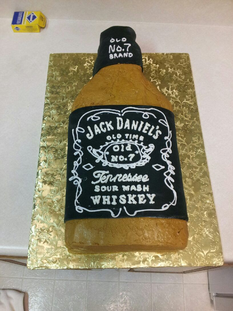 Dom's 40th bday cake. Had a delish Jack Daniels chocolate filling too :)