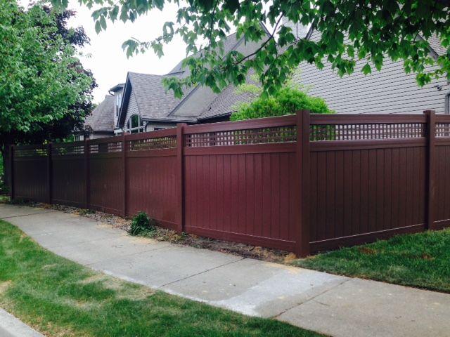 Grand Illusions Brown Vinyl Privacy Fence With Square Lattice Topper Installed By Tri Boro Fencing Vinyl Privacy Fence Dream Yard Vinyl Fence