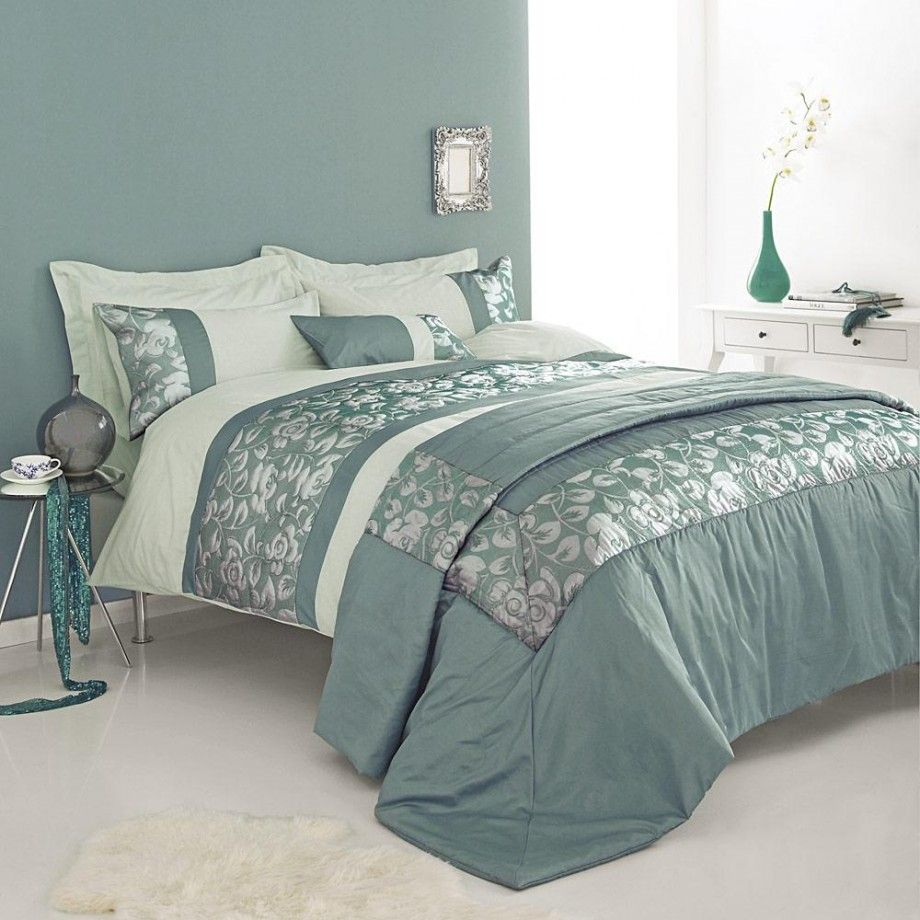 Elegant Bedroon Decorating Ideas With Duck Egg Blue Bedding