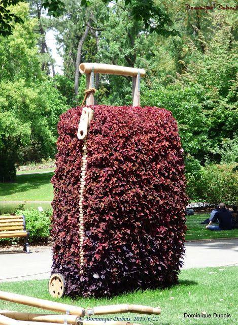 e Poussin du jardin des plantes de Nantes- Claude Ponti - le jardin ...
