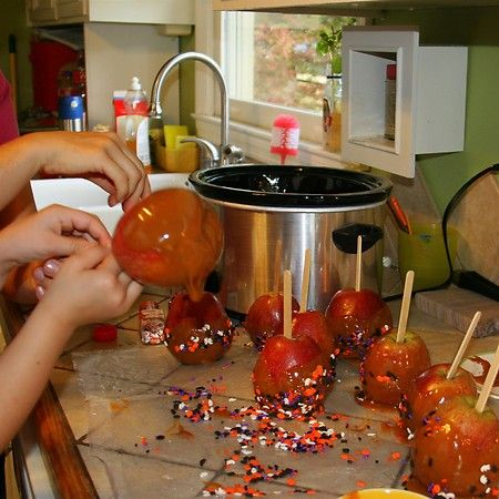 Make Caramel Apples Autumn Activities for preschoolers - preschool halloween decorations