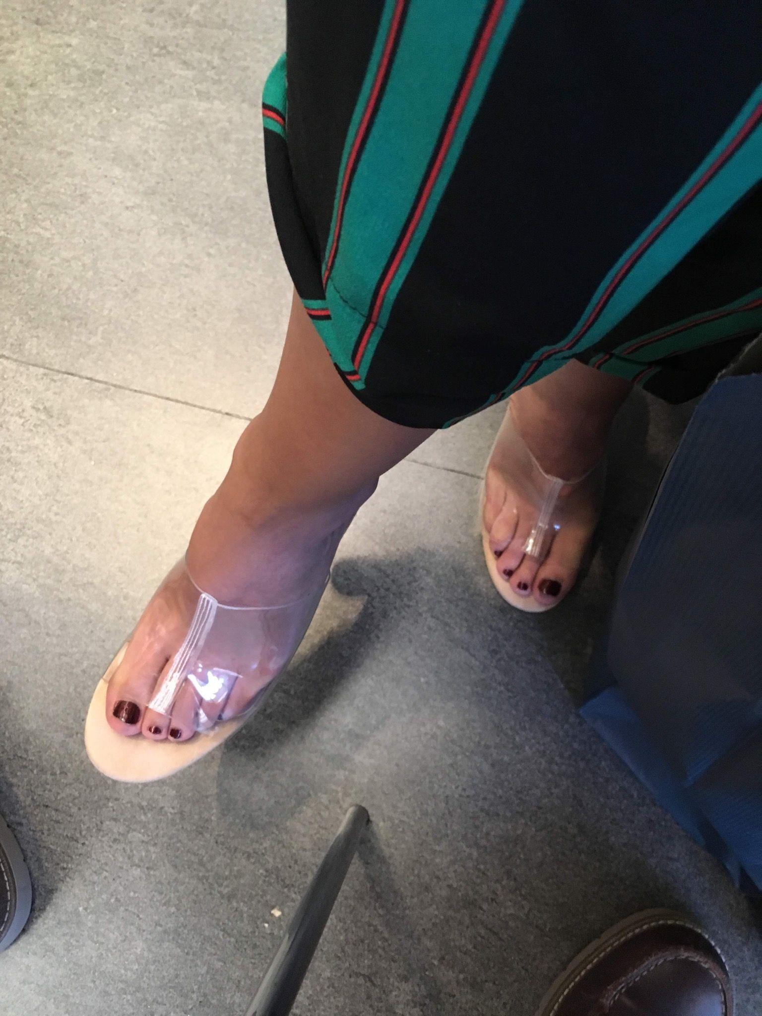 Hot Feet Julia Billington naked photo 2017