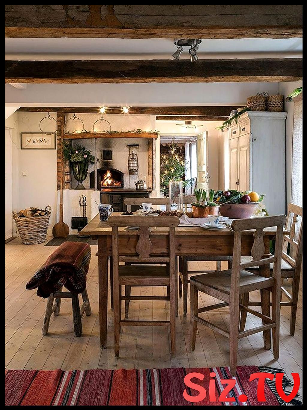34 Awesome Old Farmhouse Design Ideas To Get Classic Scheme Old Farmhouse Farmhouse Design Farmhouse End Tables