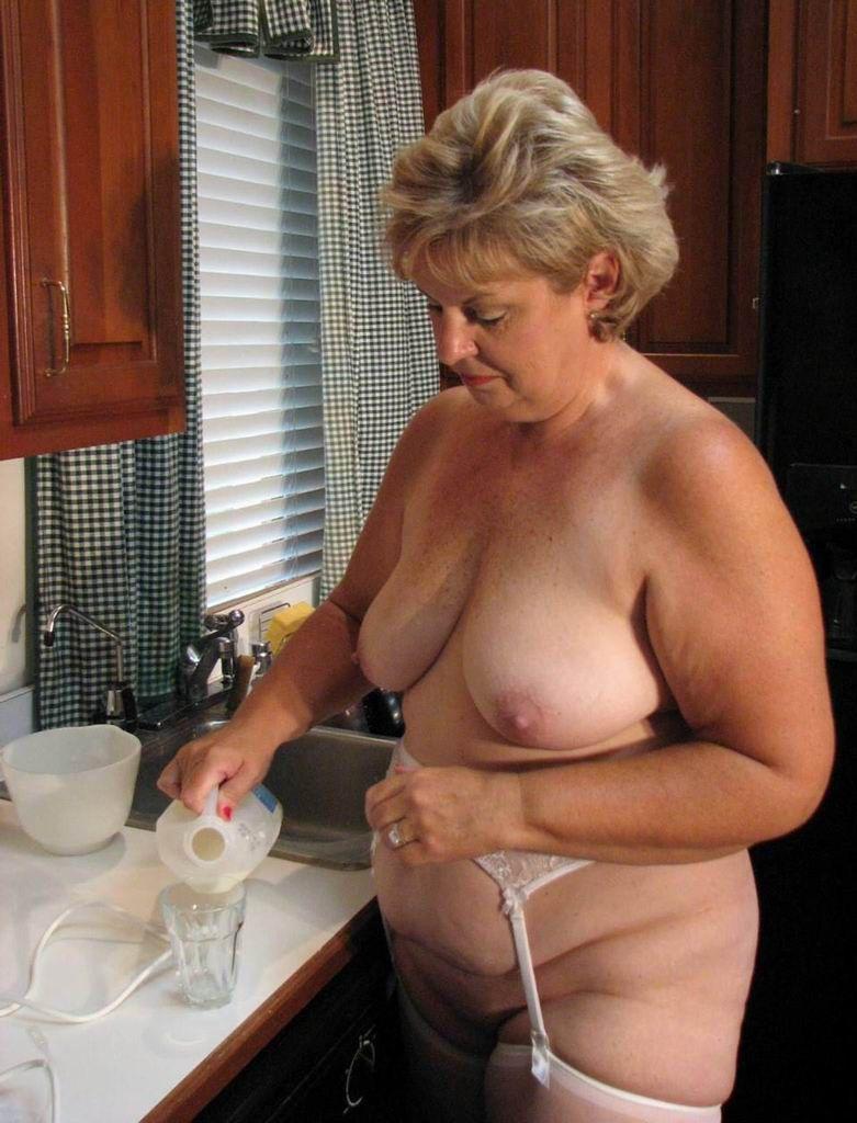 naked women bend backwards