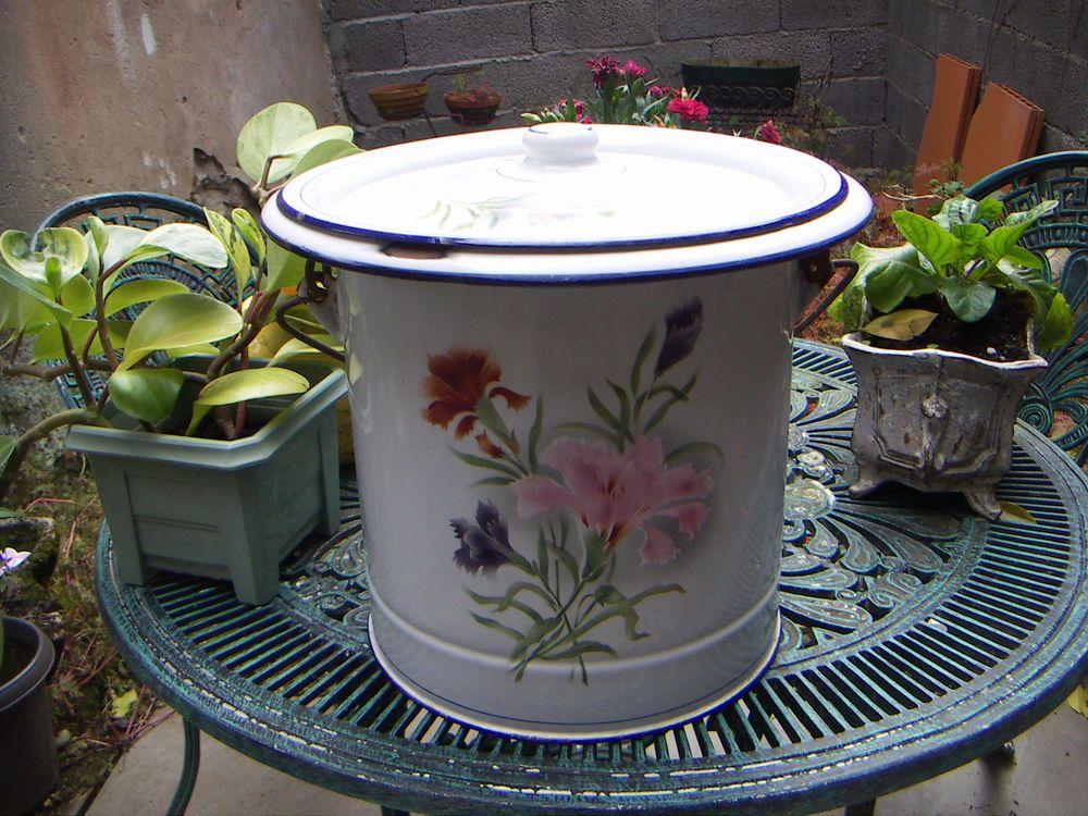 Tres Beau Pot De Chambre Ancien Emaille Objets En Email Vintage Pots Meuble