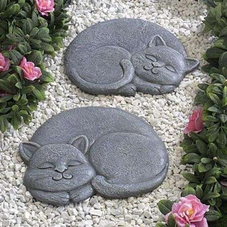 36 Admirable Play Garden Steppping Stones Inspirations Cat Garden Cat Decor Stone