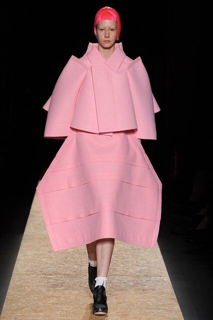 Comme des Garçons | Fall 2012 Ready-to-Wear Collection | Vogue Runway