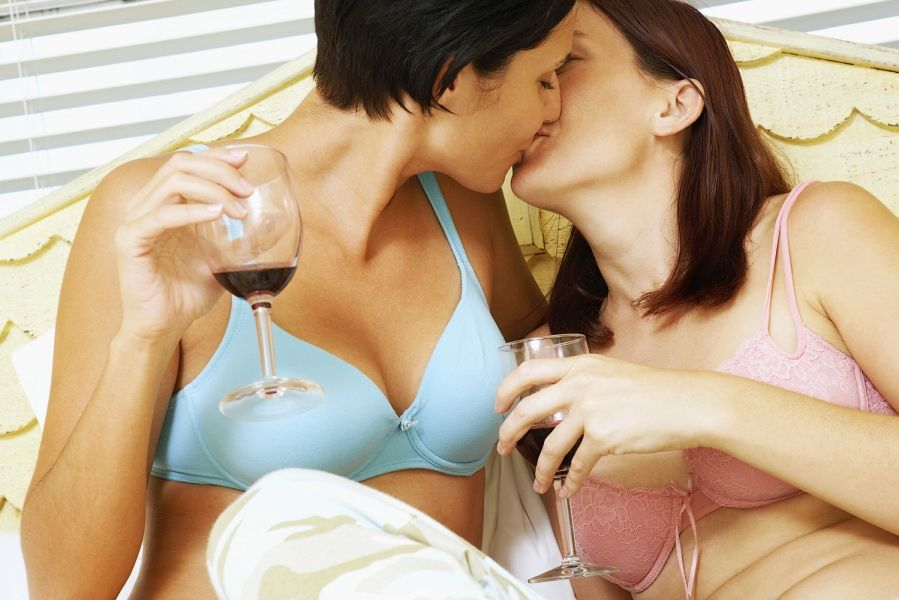 lesbian dating for free