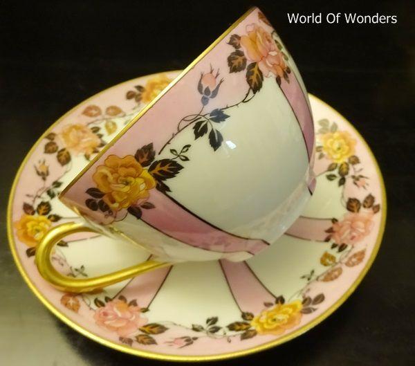 本日は、フランス製 リモージュ アールデコ ティーカップ&ソーサーのご紹介です。。。  いかにも手作業で塗られたピンクのラインが素朴で可... Limoges