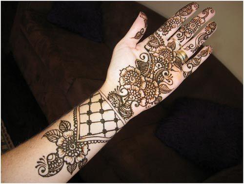 Mehndi Hand With Eye : Eye catching bangle mehandi designs with images