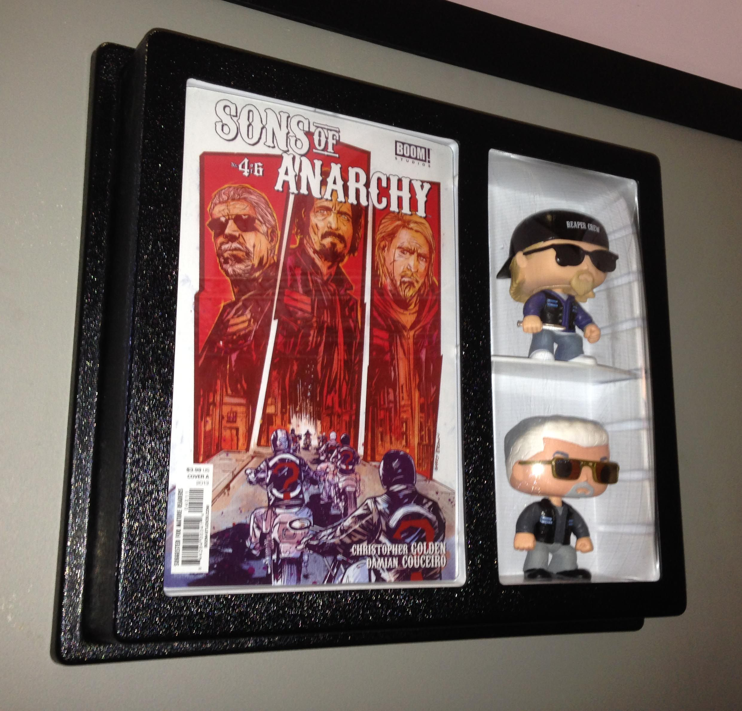Comic book with action figure display go adjustable for Comic book box shelves