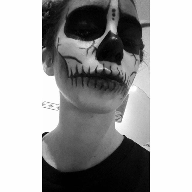 Before you ask why someone hates you, ask yourself why you even give a fuck 👌  #dayofthedead #sugarskullv THIS IS ME