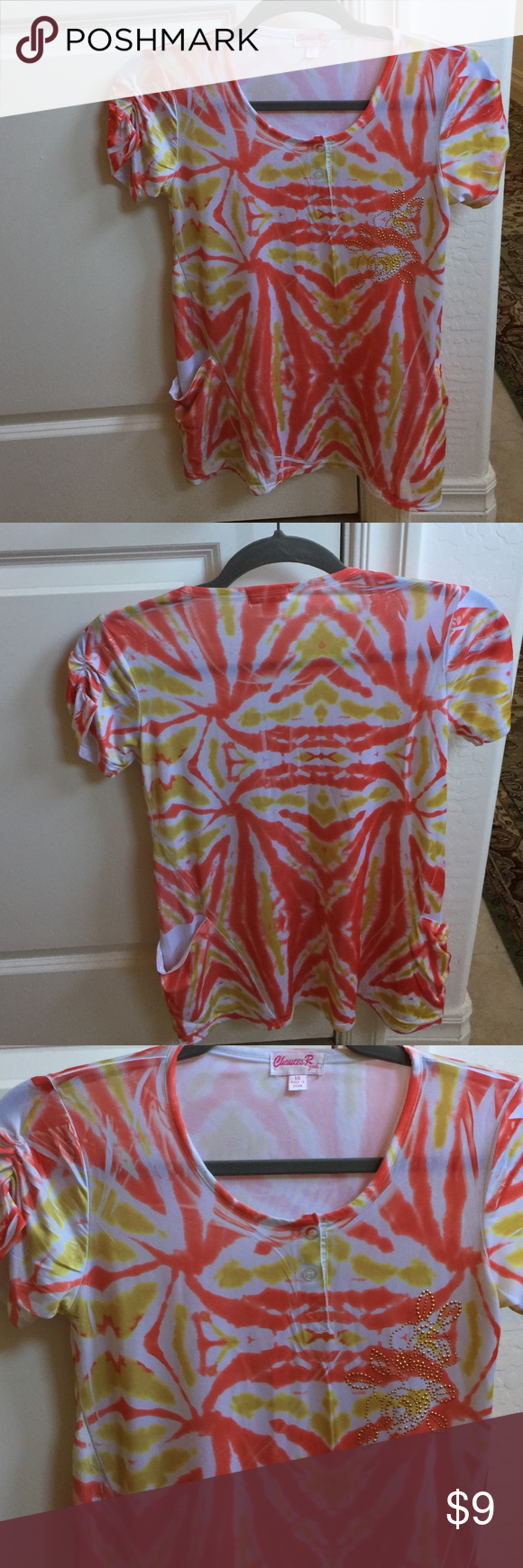 Tie-dye t-shirt SIZE: MEDIUM Very soft and silky tie dye shirt. Theres a studded design on the front and two discreet pockets on the front also. Tops Tees - Short Sleeve