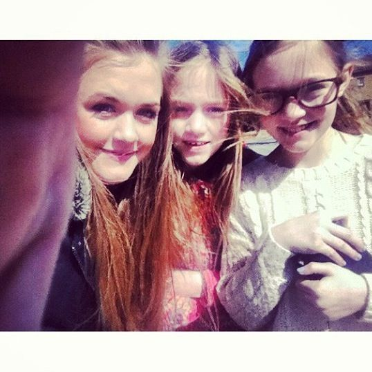 The Tommo sisters:)