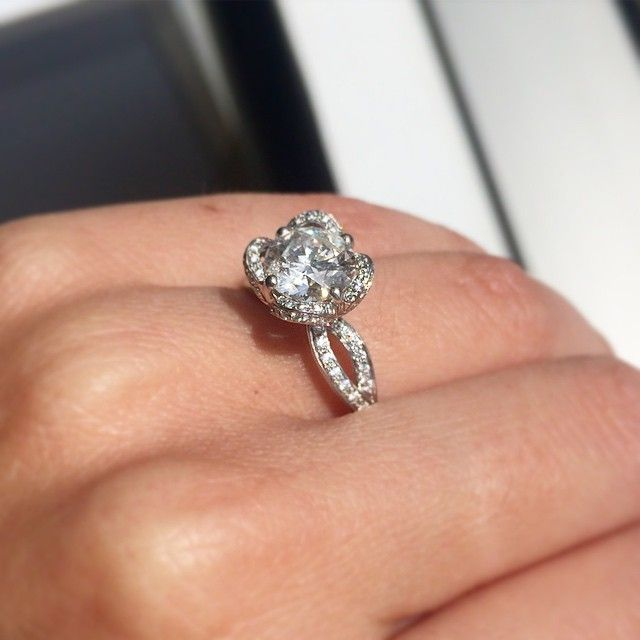 Www Bridalrings Com Beautiful And Stunning Wedding And Engagement Rings Located In The Heart Of Dow Wedding Rings Engagement Bridal Ring Sets Engagement Rings