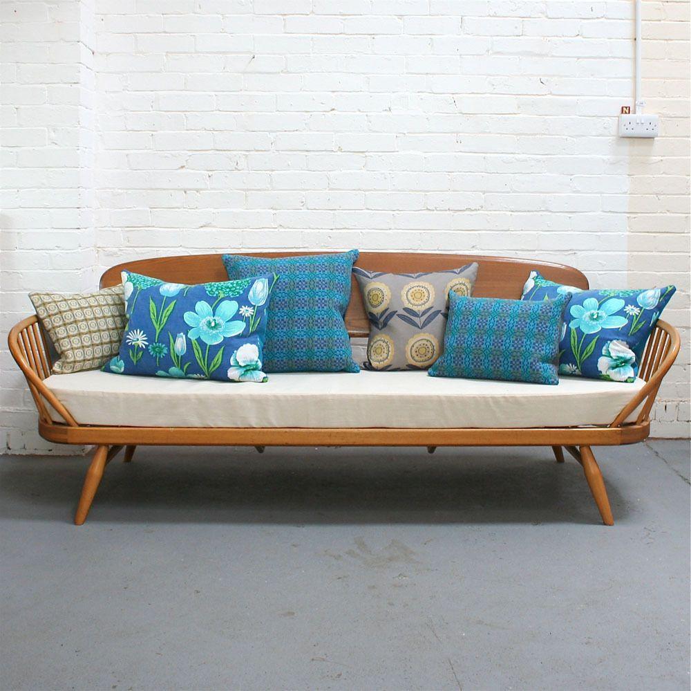 Antique Ercol Sofa: Vintage Ercol Day Bed