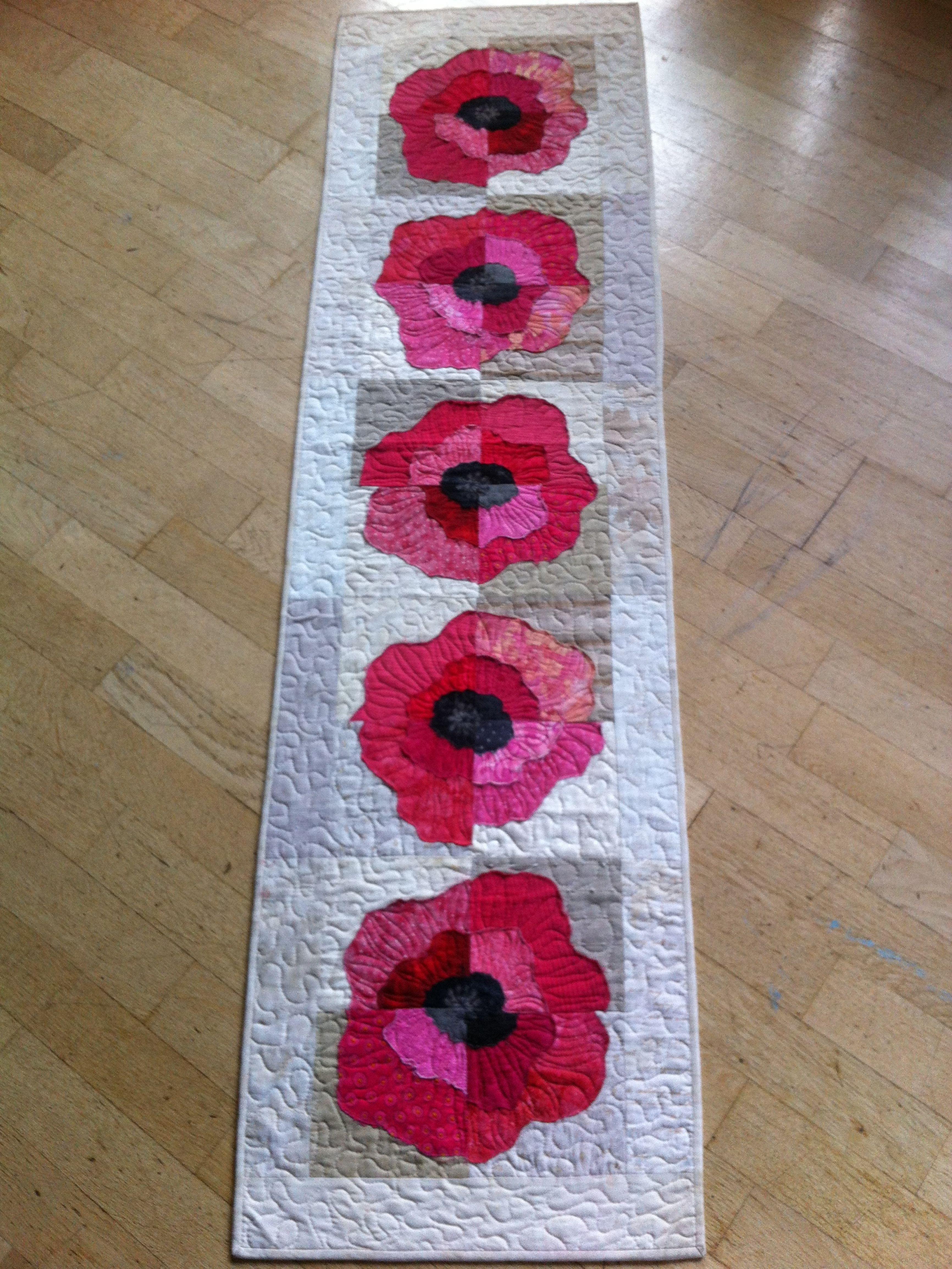 'I love poppies' table runner
