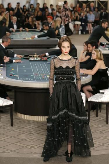 Fashion Show von Chanel im Casino-Stil (Bild: Reuters)