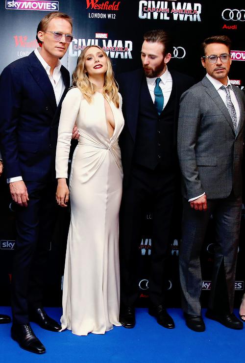 Chriservans Chris Evans Disney Character Outfits Marvel Actors