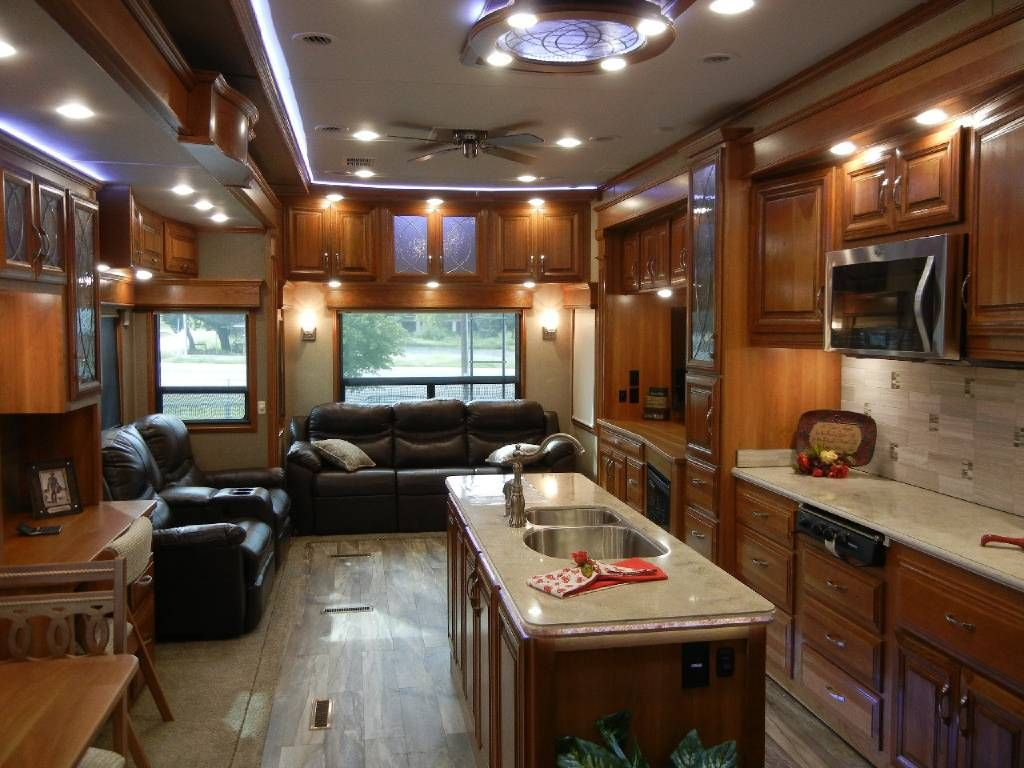 Mobile Suites Rv >> 151 200 5th Wheel Theater Seating 2017 Drv Mobile Suites 44