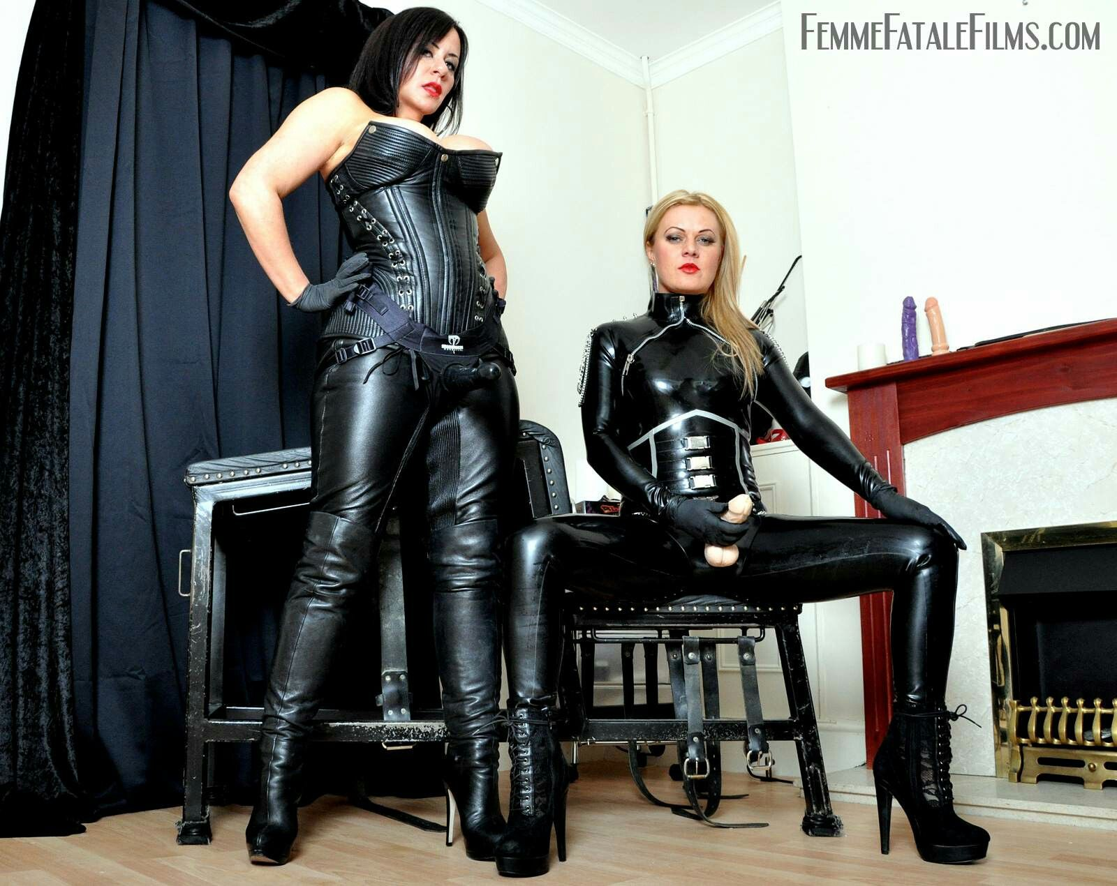 Pin On Latex Lesbian-6238