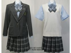 安部学院高校の制服