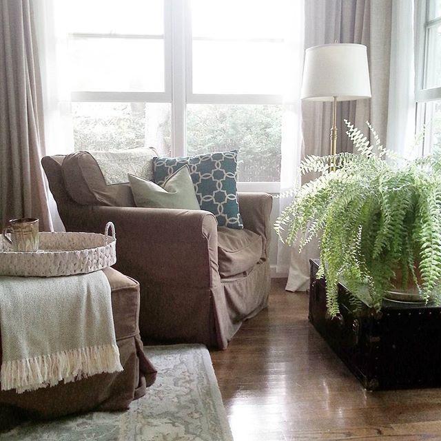 how arrange a living room http://lastdayprod.com/blog/living-room-decorating-furniture-options.html Check more at http://lastdayprod.com/blog/living-room-decorating-furniture-options.html