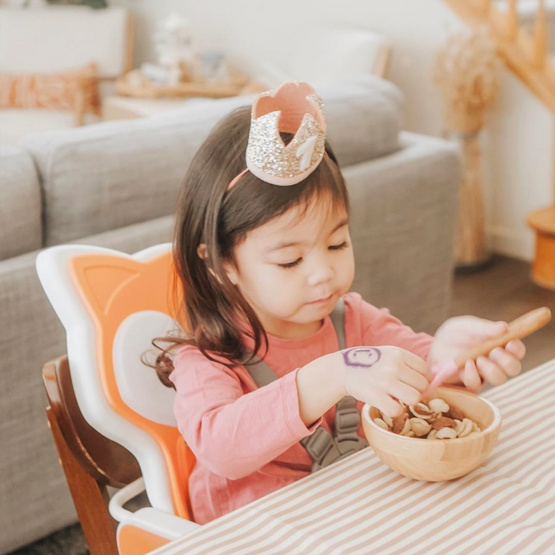 """A princess and her throne. 👑  """"Love the multi functionality of this high chair from Infantino! We've had this since June and have used it as a high chair and as a booster. Both worked perfectly for Lucy. Can't wait for baby to use this! 🌈💕"""" - Paula of You Me & Lucy #babygoods"""