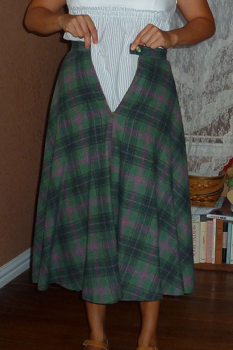Skirt ReDesign and Refashion - cut the length to turn a ... - photo #14