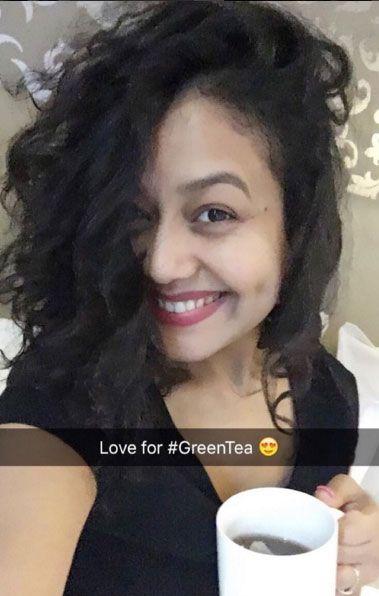10 Stunning Photos Of Neha Kakkar That Prove Her Selfie Game Is On Point Neha Kakkar Celebrities Celebs