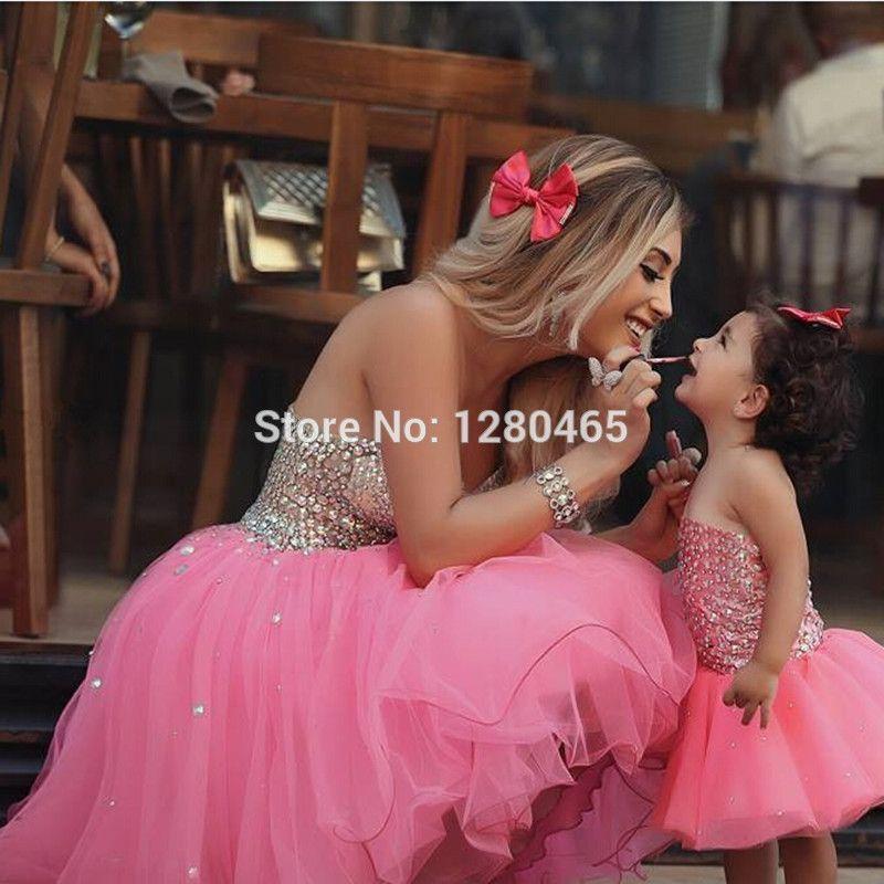 Resultado de imagen para ropa de mama y niña princesas para primer ...