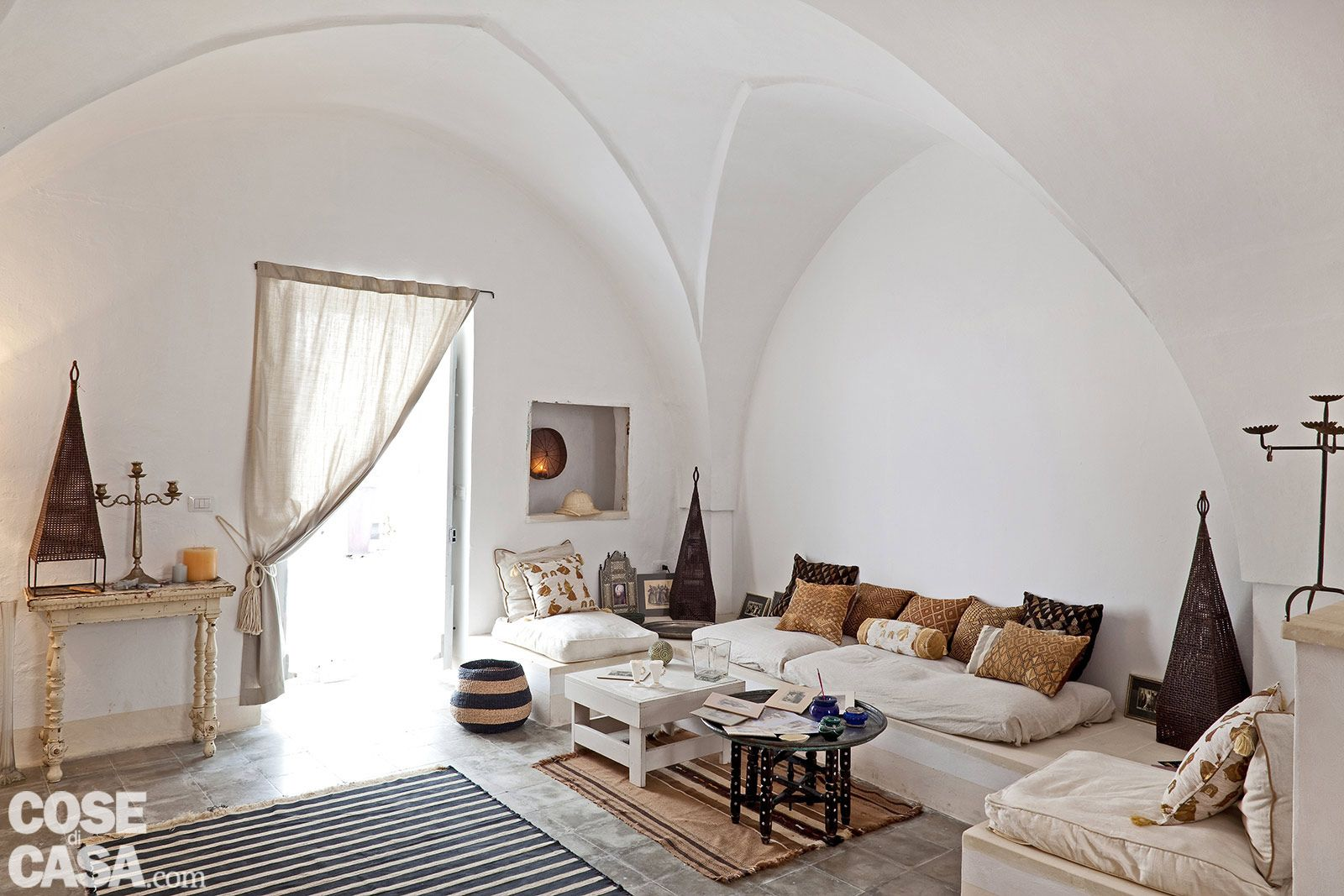 Una casa in pietra in stile mediterraneo acquario for 5 piani di casa di camera da letto