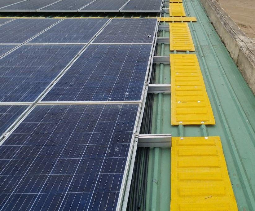 Rooftop Walkway In 2020 Solar Panels Roof Solar Panel Rooftop