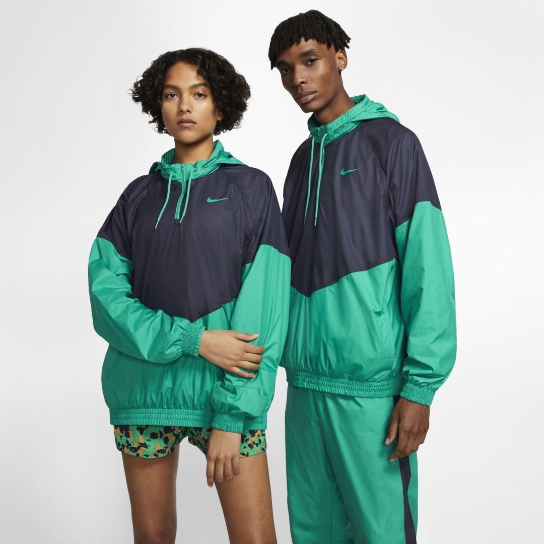Photo of Nike SB Shield Skatejacke. Nike.com