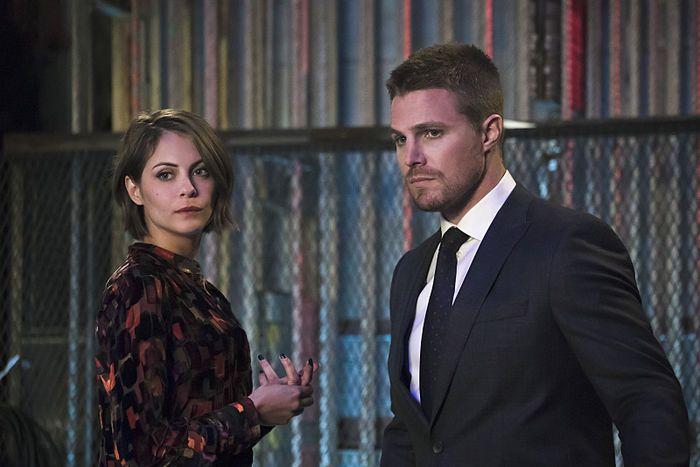 Arrow Code Of Silence Photos Released Arrow Season 4 Stephen Amell Thea Queen