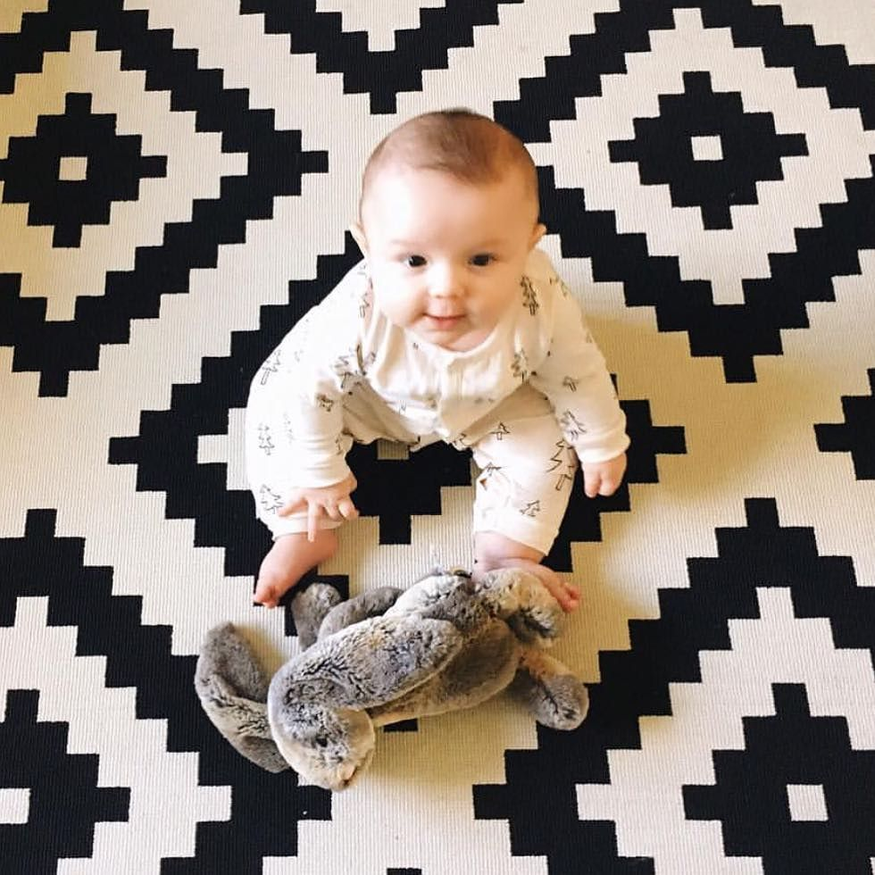 Too cute of words @nancyncrew playing with her adorable bunny from @jellycat_official #ptbaby #toocute #sundayfunday