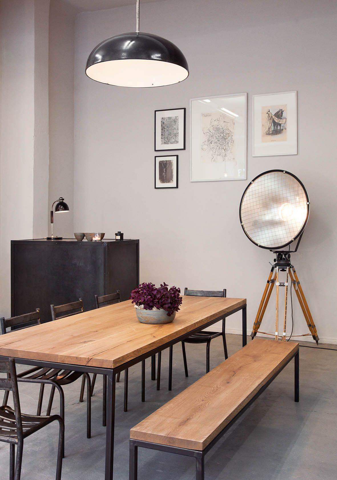 maison gro e sch ne esstische aus massivholz von objets trouv s e15 co hochzeitsberg. Black Bedroom Furniture Sets. Home Design Ideas