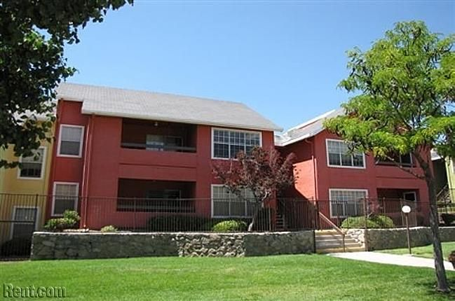 Check Out Ryan S Crossing On Rent Com Apartment Rental Apartments Apartments For Rent